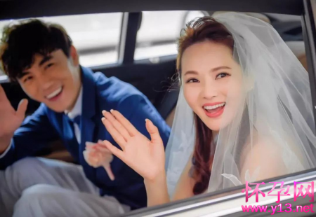 结婚5年了,伊能静还在对秦昊故作神秘?