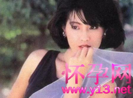"""从""""艳星""""到尼姑,欠债3亿实力坑弟,费玉清姐姐费贞绫到底经历了啥?"""