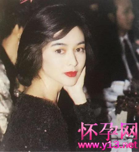 """袁咏仪和张智霖""""跨年热吻"""",都是小三关之琳""""逼""""的?"""